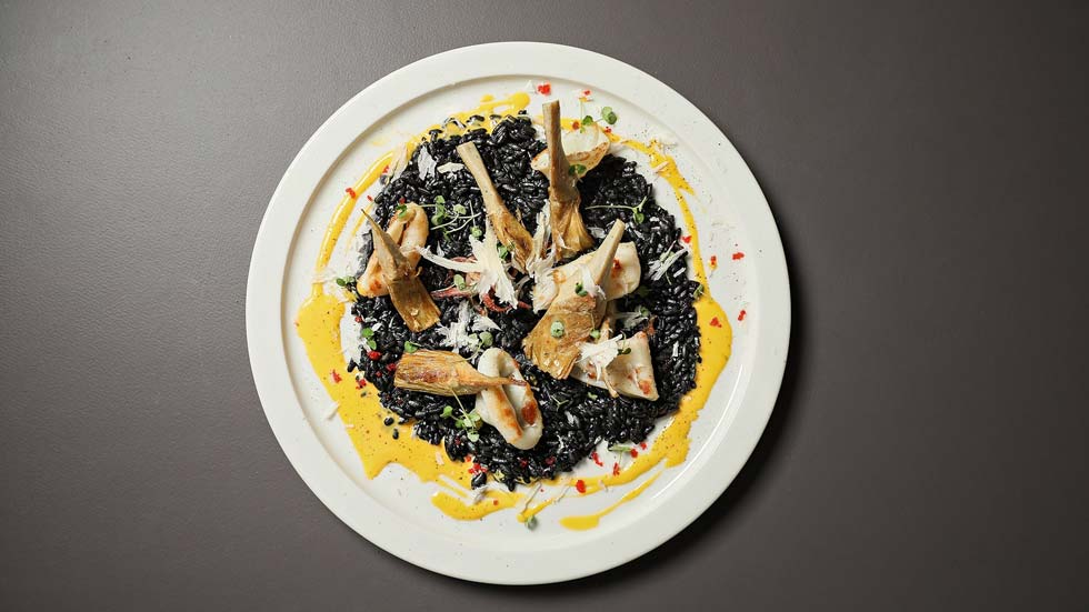 black_risotto_artishoke_squid_shafran